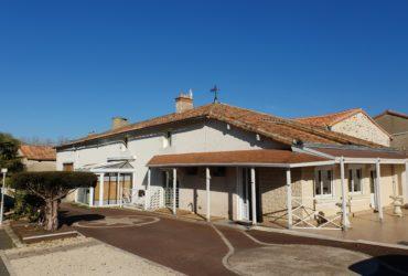 Maison ancienne 190 m² + dépendances #1398
