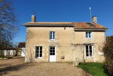 Maison ancienne PROCHE VOUILLE #1480